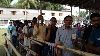 Over 76% turn out in Bengal amid sporadic violence (evening lead)