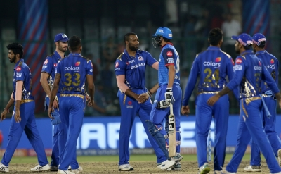 Clinical Mumbai thrash lacklustre Delhi by 40 runs (Lead)