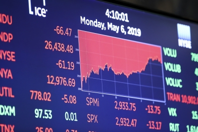 US stocks open lower amid global economic slowdown concerns