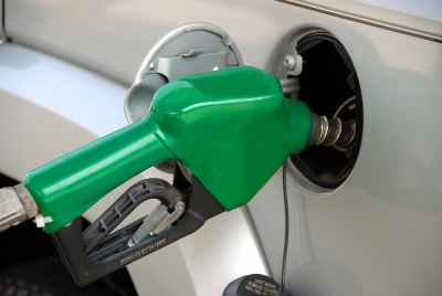Petrol prices rise Re 1.60 in one week post Aramco attack (Lead)