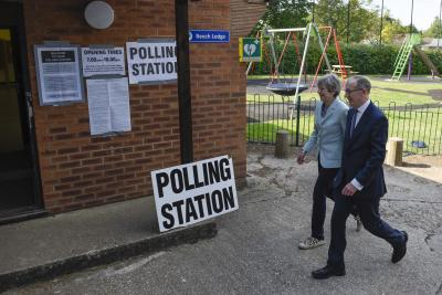 European elections: Brexit party leading in UK