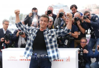 Sylvester Stallone reveals physique during shopping trip