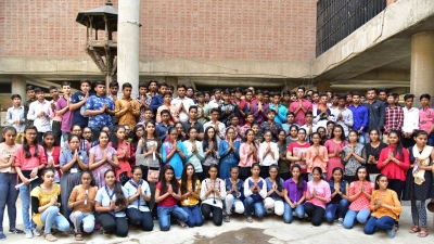 English medium students beat Gujarati counterparts in 12th boards