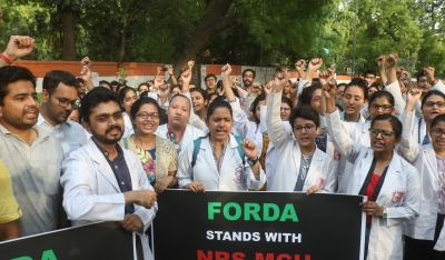 Striking doctors reject Mamata's call for talks