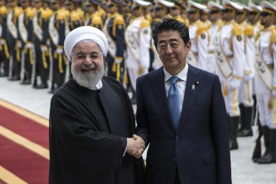 Abe asks Iran to release American captives: Report