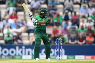 All-round hero Shakib keeps Bangladesh in the hunt
