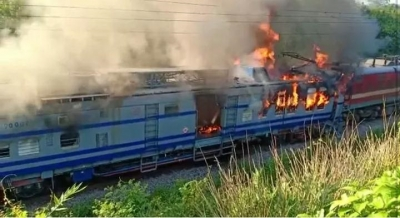 Samaleshwari Express engine catches fire in Odisha; 3 dead (Lead)