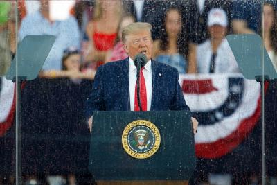 Trump vows to defeat 'radical left' in I-Day speech