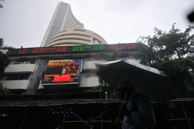 Sensex above 34k, Nifty hits 10k as finance stocks surge (Roundup)