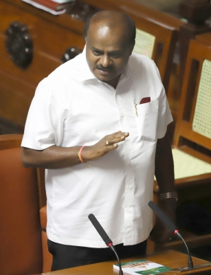 Congress knows nothing about coalition dharma: Kumarswamy