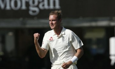 He's off Christmas card & present list: Broad on his father who penalised him