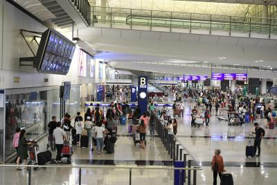 Court extends injunction on HK airport protests