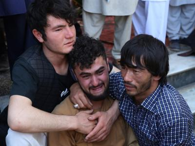 63 killed in Kabul blast, IS owns responsibility (2nd Lead)