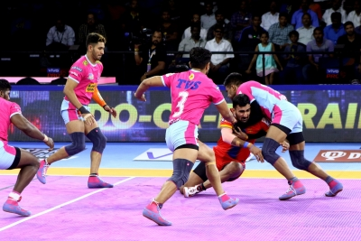 PKL 7: UP Yoddha beat league leaders Pink Panthers