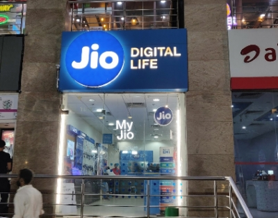 Telcos passing off wirelines as mobile numbers to evade charges: Jio