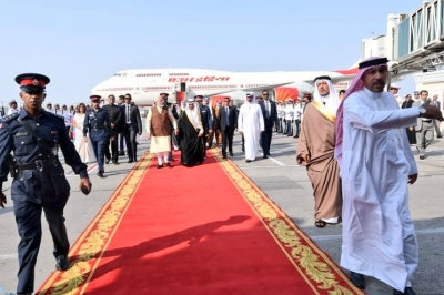 Modi arrives in Bahrain, received by Prince Khalifa