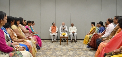 Strive to transform each student's life: Modi to teachers