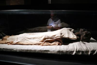 Discovery of tombs revives dream of finding Cleopatra