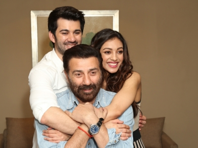 Sunny Deol: The unit became a family while shooting 'Pal Pal Dil Ke Paas'