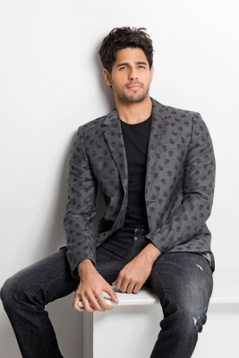 Sidharth Malhotra injured after mishap in Kargil