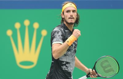 Tsitsipas beats Medvedev to clinch 1st win at ATP Finals