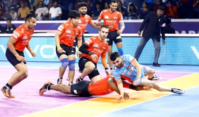 PKL 7: Bengal pip U Mumba 37-35 to enter final