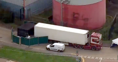39 bodies found in lorry container in Essex, driver held (Lead)