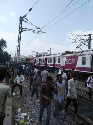 Hyderabad train crash: Loco pilot rescued from mangled cabin (2nd Lead)
