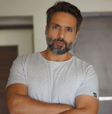 Iqbal Khan to play con artist in new digital show