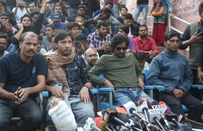 JNU approaches HC against protesting students