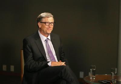 Bill Gates receives first dose of Covid vax