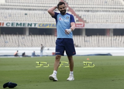 Our bowlers can't be scared of Kohli: Simmons