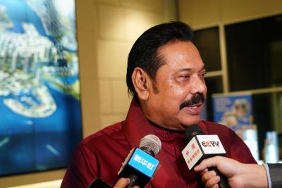 Mahinda Rajapaksa sworn in as Sri Lanka's new PM