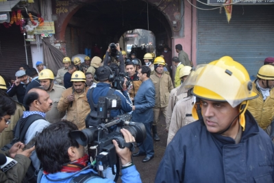 President, PM, others condole deaths in Delhi blaze