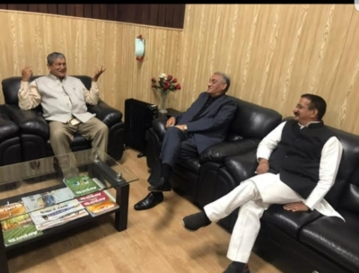Bahuguna-Rawat meeting sparks speculations in Uttarakhand