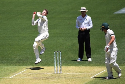 Injury cuts short Ferguson's bowling stint on Test debut