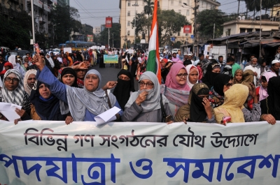 Anti-CAA protesters obstruct key highways in Bengal