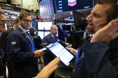 US stocks end mixed after weaker-than-expected growth in retail sales