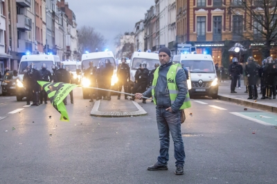 French trade unions stage 10th nationwide anti-reform protests