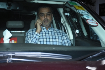 Milind Deora says no time for politics as Cong attacks govt