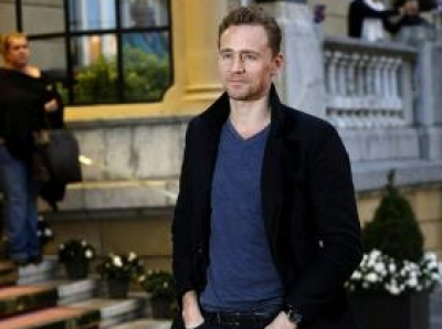Tom Hiddleston moves in with Zawe Ashton