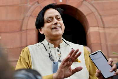 Now, Tharoor accuses PM of announcing lockdown in haste