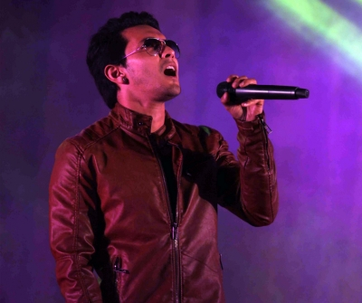 Aditya Narayan shares first look of upcoming single 'Main dooba rahoon'
