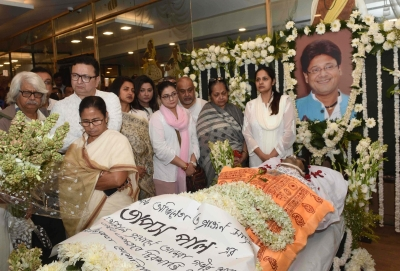 Mamata, opposition trade volleys over Tapas Paul's death (roundup)