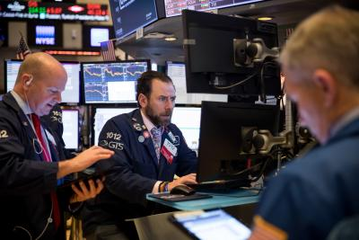 US stocks close higher on hope of new fiscal stimulus