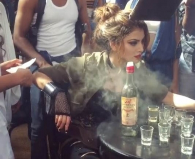 When Urvashi was shouted at for not knowing how to smoke