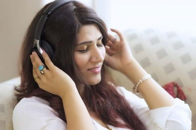Shashaa Tirupati multi-tasks to come out with new song amid lockdown