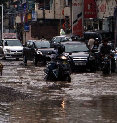 Heavy rains lash parts of Telangana