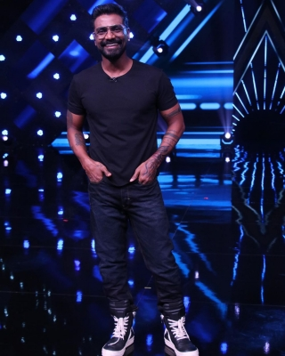Remo D'souza haa an 'amazing, very safe shoot' with Geeta Kapur, Terence Lewis