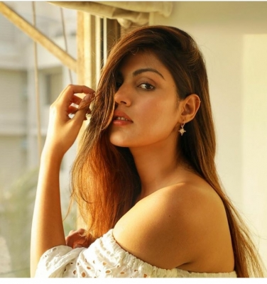 Thane man suffers for phone number similar to Rhea Chakraborty's